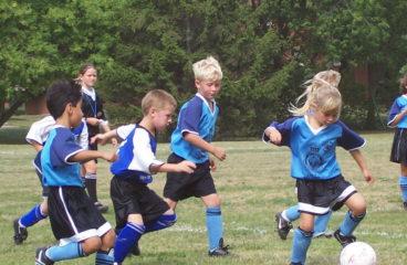 Studido fortæller om holdsport – Hvad gør det for dit barn?