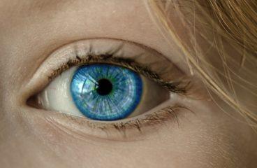 Med en øjenoperation bliver du fri for briller og kontaktlinser